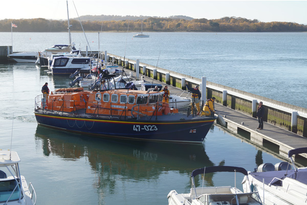 DYC 75 Years RNLI Arrival 600