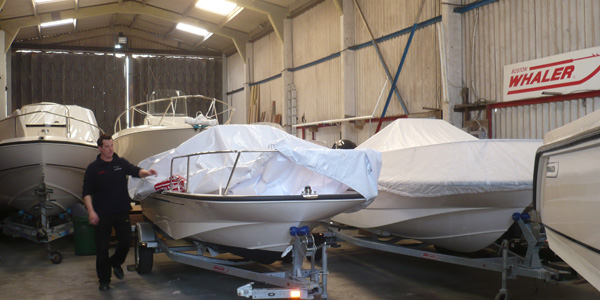 Service Boat Shed 600